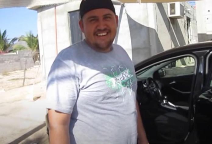 Mexican car wash owner in Baja California