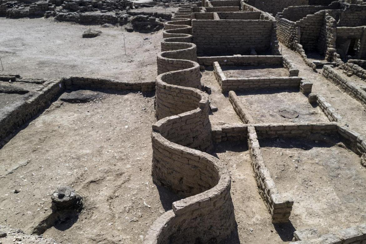 Egyptian Archaeologists Discover 3000 Year-Old Lost City of Aten