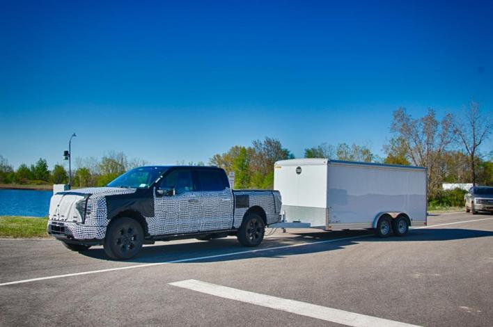 2023 Ford F-150 Lightning can tow up to 10,000 pounds