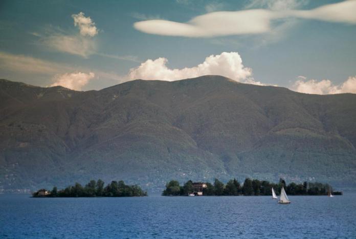 Las islas Brissago son vistas desde Ascona, el Lago Maggiore.