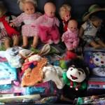 Steun ons met poppen en knuffels