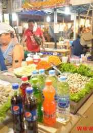 Visiter Neon Market à Bangkok – Marché de nuit 3-min