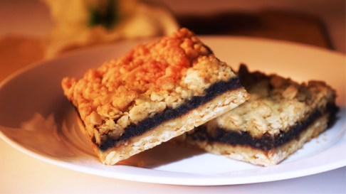 There's something satisfying about a good date square. A simple blend of brown sugar, oats, butter and sweet dates.