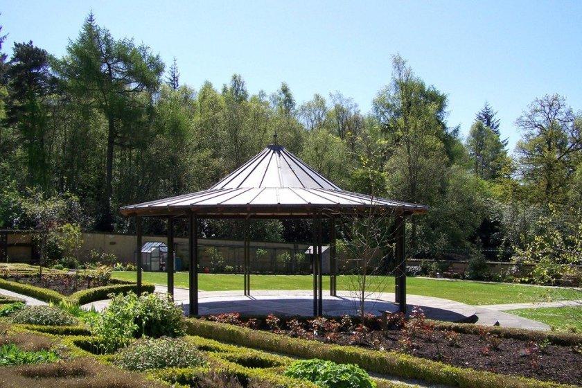 Mugdock_country_park_bandstand_conservation_area