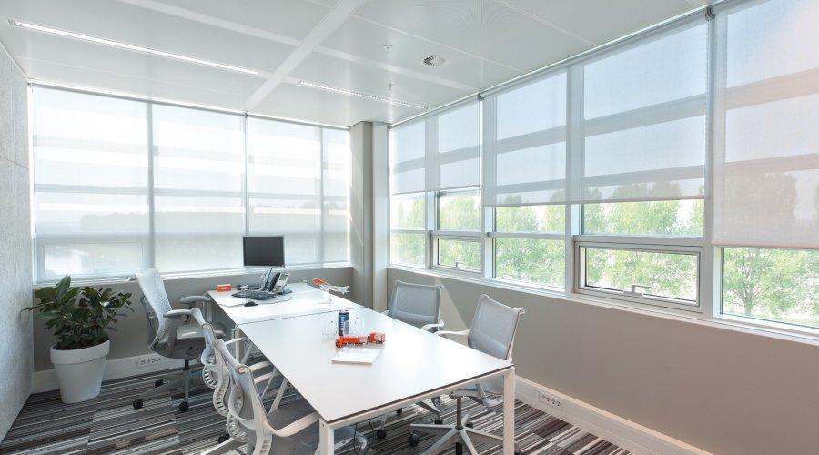 Hunter Douglas Light & Energy Tool maps sun control impact on interior light & climate