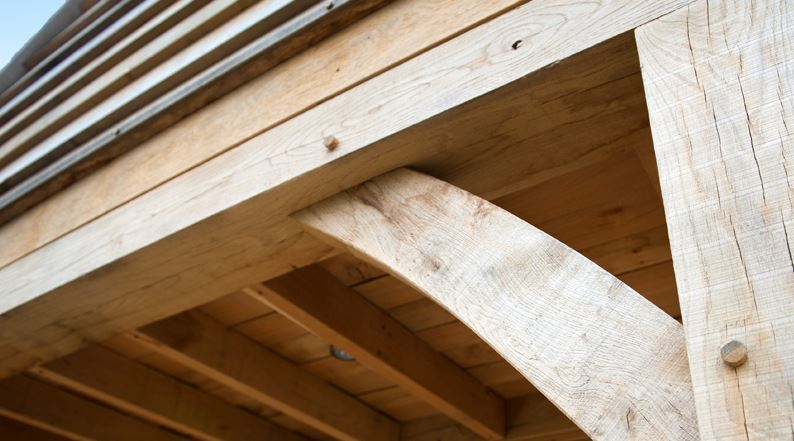 The Real Benefits of English Oak – The most iconic of British woods