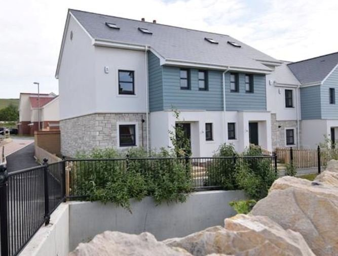 Cembrit BBA certified slates provide natural finish to new housing development