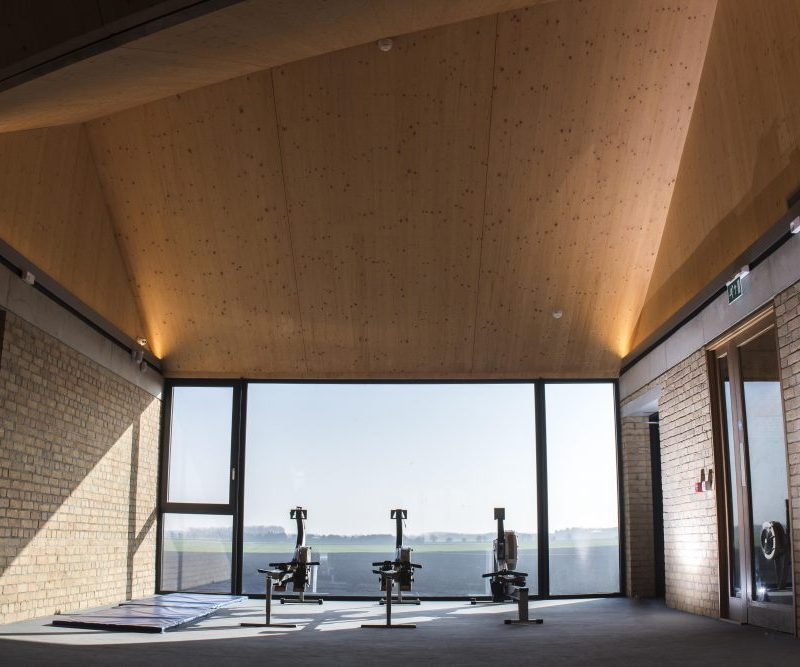 Trend takes to the water at the Cambridge University Boathouse