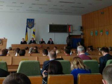 """Депутати облради висміяли """"Сміттєвого лобіста"""""""