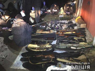 У Рівному поліція вилучила понад 10000 одиниць зброї