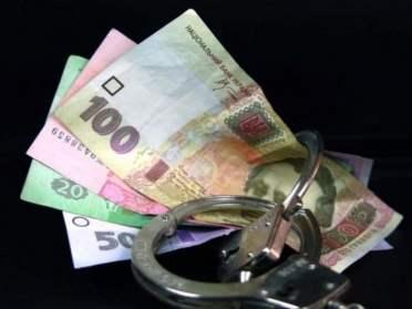 В Сарнах домашній тиран пропонував 800 грн поліцейському