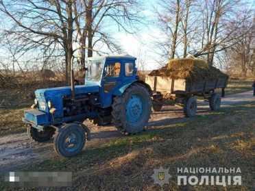 Чоловік на Сарненщині упав з трактора і загинув