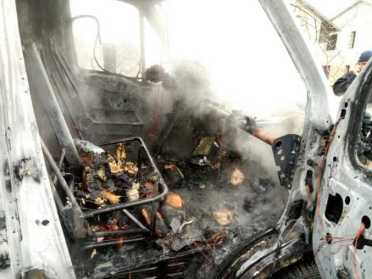 На Сарненщині рятувальники гасили пожежу у вантажному хлібовоз