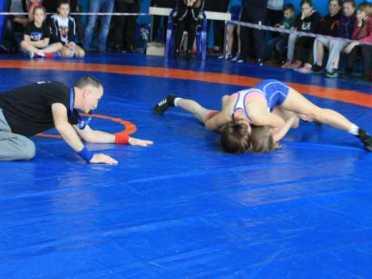 В Сарнах пройшов Всеукраїнський турнір з боротьби серед юнаків