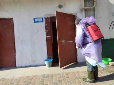 У Костополі дезінфікують усі під'їзди багатоповерхівок
