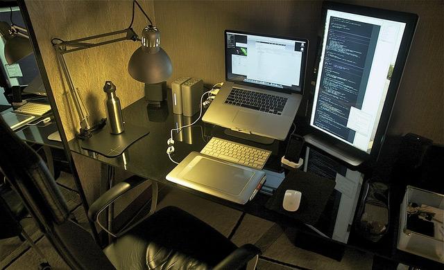 30 Impressive Home Office Workstation Setups