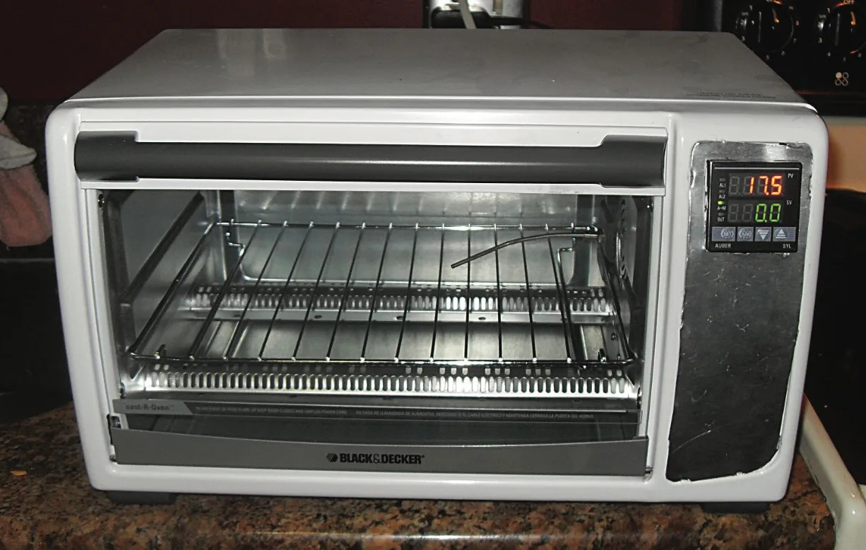 hight resolution of photo of a toaster oven turned into a reflow oven