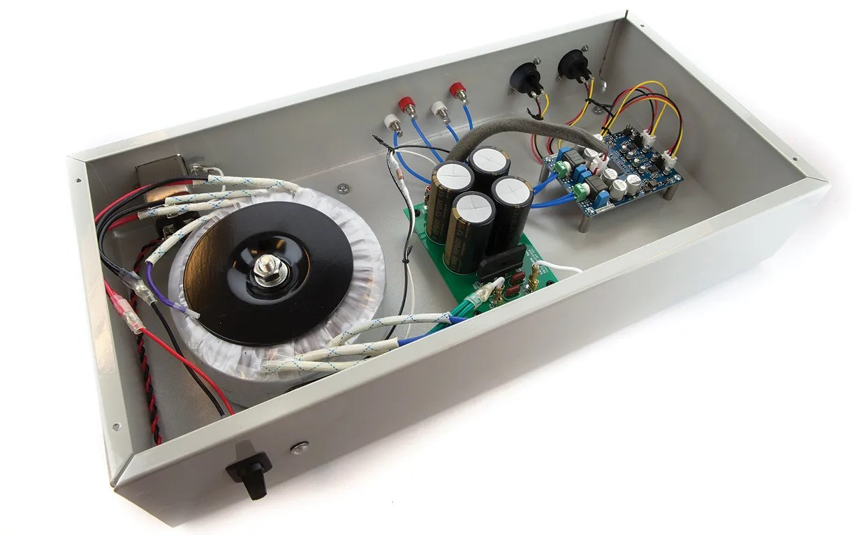 Build Your Own Professional-Grade Audio Amp On The Sort Of