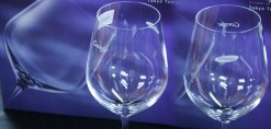 Engrave Logo Facing Sides of Wine Glass