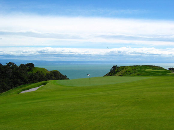 Cape Kidnappers Golf Course Rated Number One in the World (1/5)