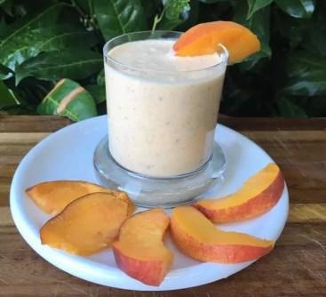 Pfirsich-Dattel-Joghurt (ohne Zucker)