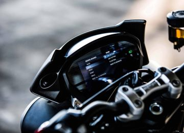 2017 Triumph street triple riding modes