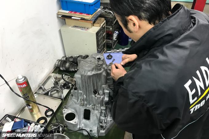 ProjectNSX-gearbox-blakejones-speedhunters-0098