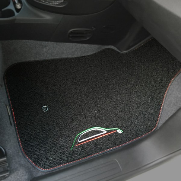 FIAT 500 Floor Mats by 500|SPEEDLAB Black with Italia Logo Passenger
