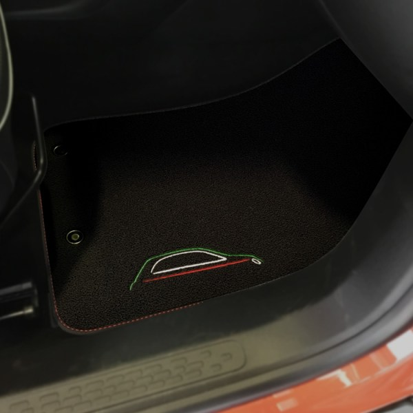FIAT 500X Floor Mats by 500|SPEEDLAB Black with Italia Logo Passenger
