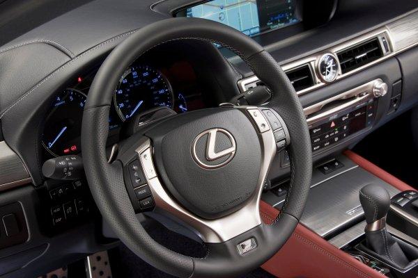2013_Lexus_GS350_Fsport_016