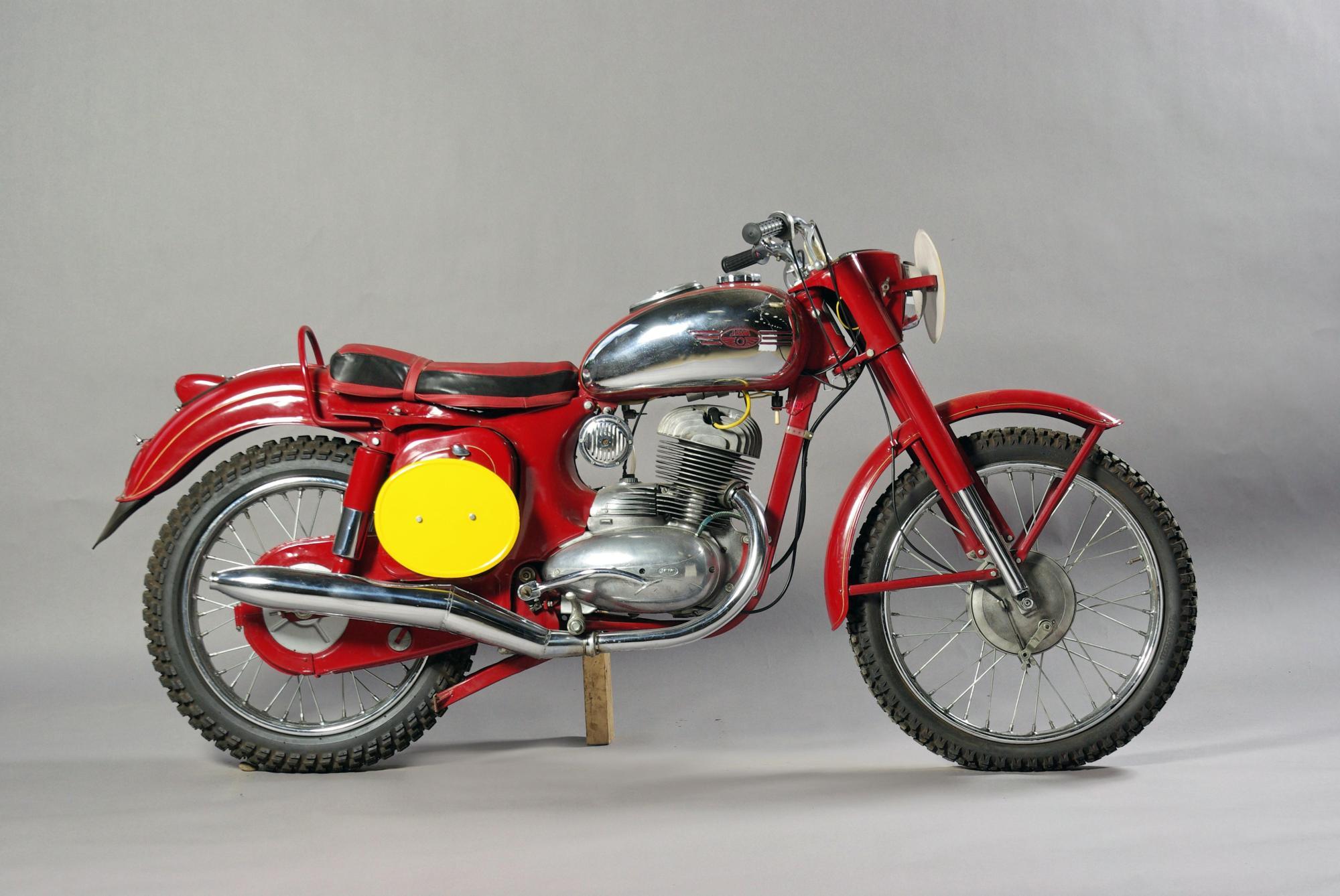 hight resolution of 1961 jawa 250cc type 553 isdt