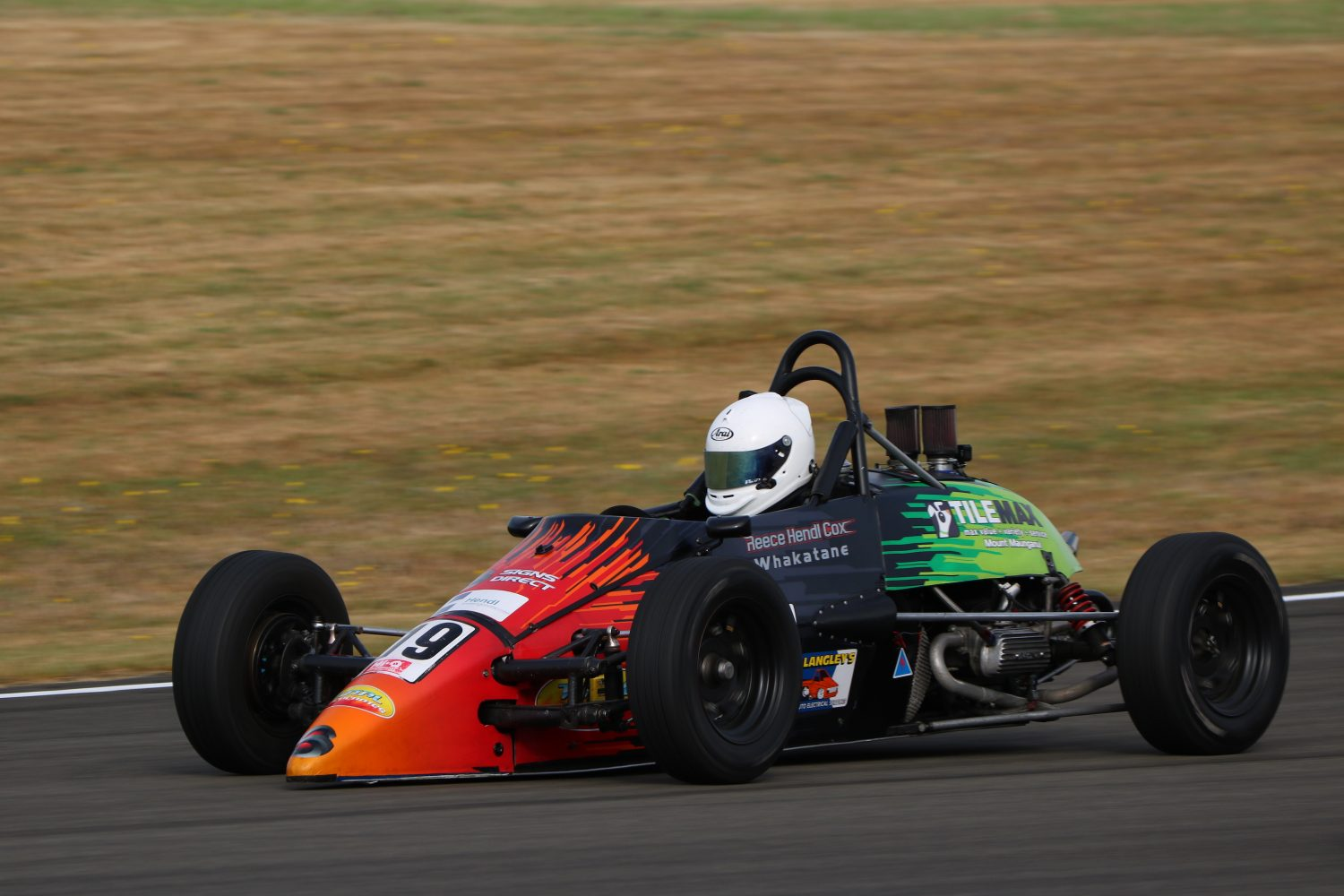 Hendl-Cox storms ahead in Formula First Championship