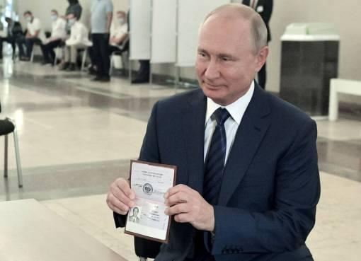 Οι Ρώσοι επέτρεψαν στον Πούτιν να μείνει στην εξουσία έως το 2036