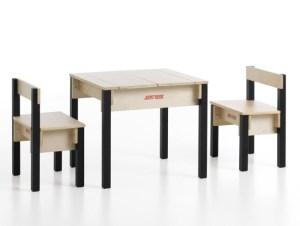 2-zits speeltafel met twee stoeltjes - Junktrunk
