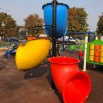 Инклузивно детско игралиште во Влае, Делфина плоштад