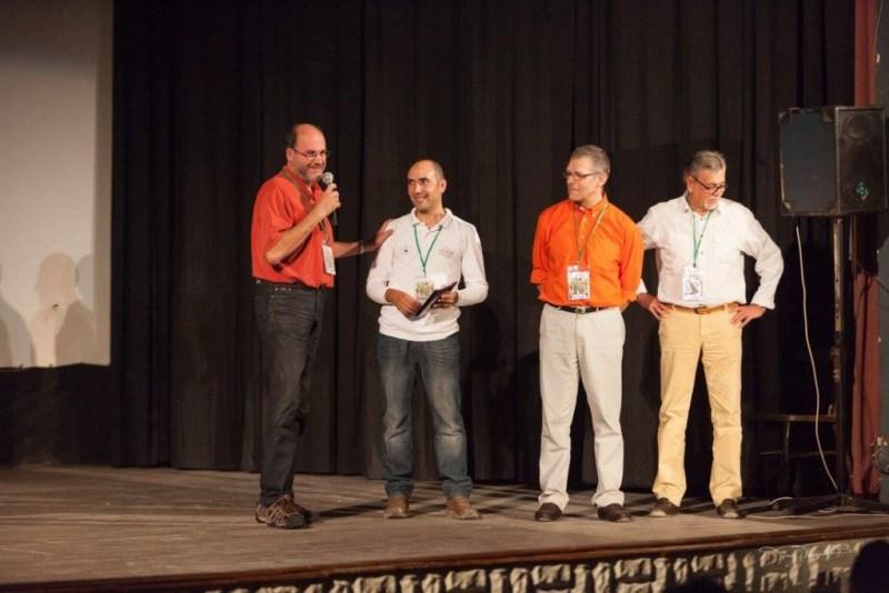 Présentation du projet et du film par JR, Jack et Jeff, entourant Meher, président du Festival