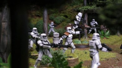 swl01_photo_stormtrooper-squad2