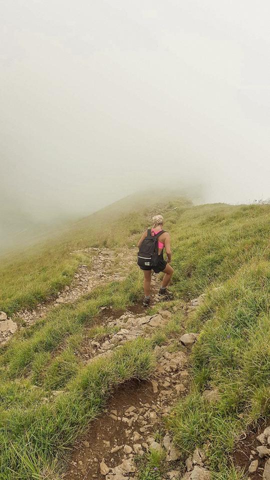 spellbound travels foggy hike siwtzerland