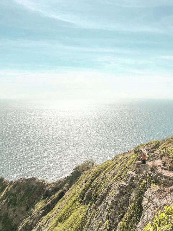 spellbound travels girl hiking in hawaii