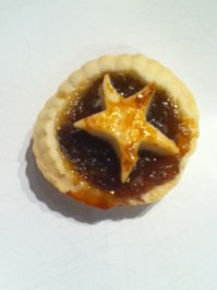 Homemade mince pie star