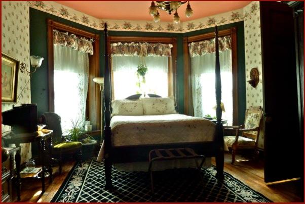 Garden Iris Room  Spencer Silver Mansion Havre de grace