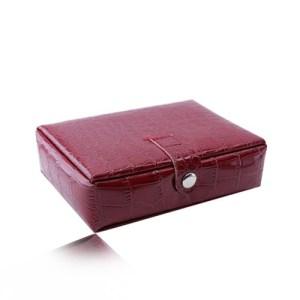 Šperkovnica červenej farby - imitácia krokodílej kože