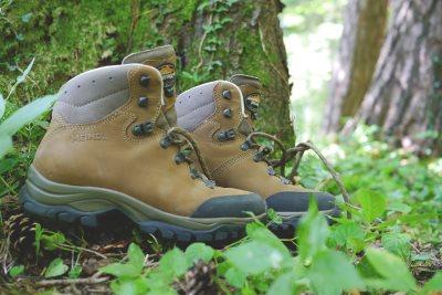 hiking-832847_400