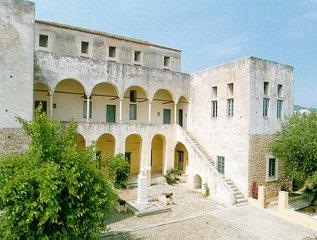 Το αρχοντικό του Χατζηγιάννη Μέξη, όπου σήμερα στεγάζεται το Μουσείο Σπετσών