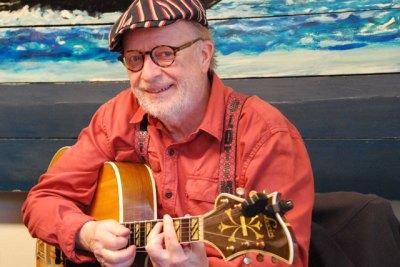 Olle Strandberg, gitarr.