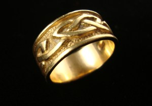 Custom 9 ct.gold Celtic Knot Wedding Ring