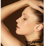 肌トラブルが増える生理前の一週間は「アクセサリーの力」で顔色美人を作る