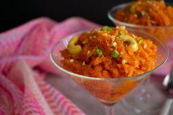 Gajar Halwa (Indian Carrot Halwa)