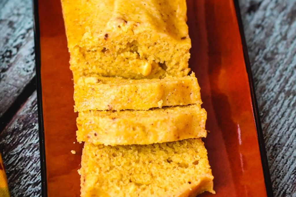 Pumpkin Spice Cornbread in instant pot by Spice Cravings. Earthy & sweet cornbread mix meets creamy & moist homemade pumpkin puree- the result is a soft, moist, delicious Pumpkin Spice Cornbread. Instant pot recipe. #food #foodie #foodblogger #delicious #recipe #instantpot #recipes #easyrecipe #cuisine #30minutemeal #instagood #foodphotography #tasty