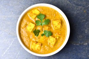 Instant pot paneer butter masala or paneer makhani is vegetarian variation of Butter Chicken. Start with paneer, Indian cottage cheese, and simmer it in tomato puree, season with toasted and ground garam masala and finished with a touch of heavy cream #cooking #food #recipe #recipes #foodphotography #foodblogger #yummy #delicious #foodie